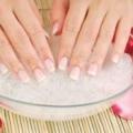 Домашній догляд за нігтями рук правильний