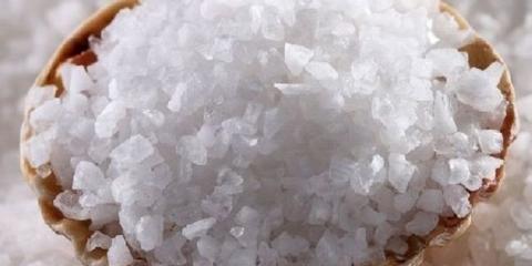 Пілінг морською сіллю зробить шкіру ніжною і шовковистою